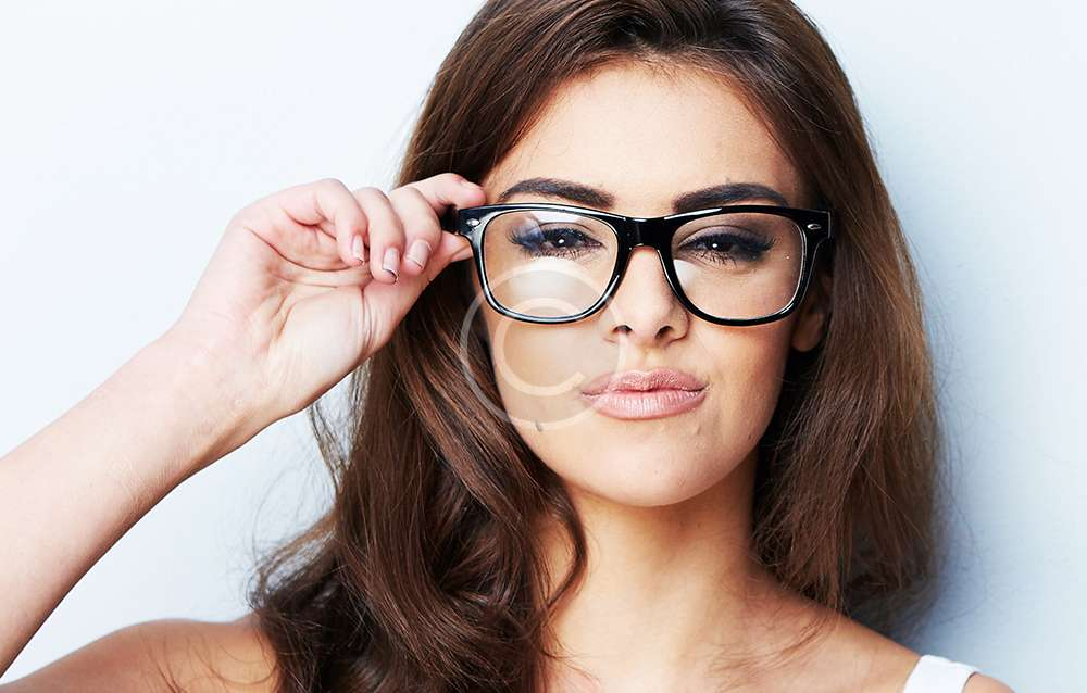 2016 Makeup Tips fpr Girls with Glasses